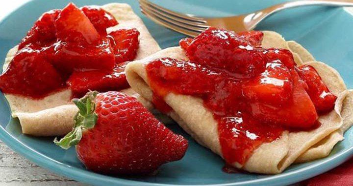paleo diet, paleo recipes, Quick Paleo Strawberry Crepes